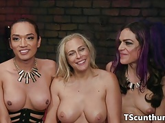 Threesome Transsexual predominant bootie and vag