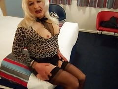 crazy transvestite tracy  in nylon pantyhose xx