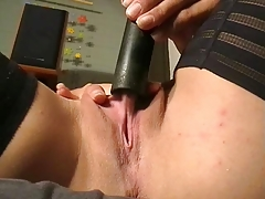 torrid dark-haired has a ball with the vac