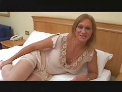 Mature transgender princess plays with assfuck playthings